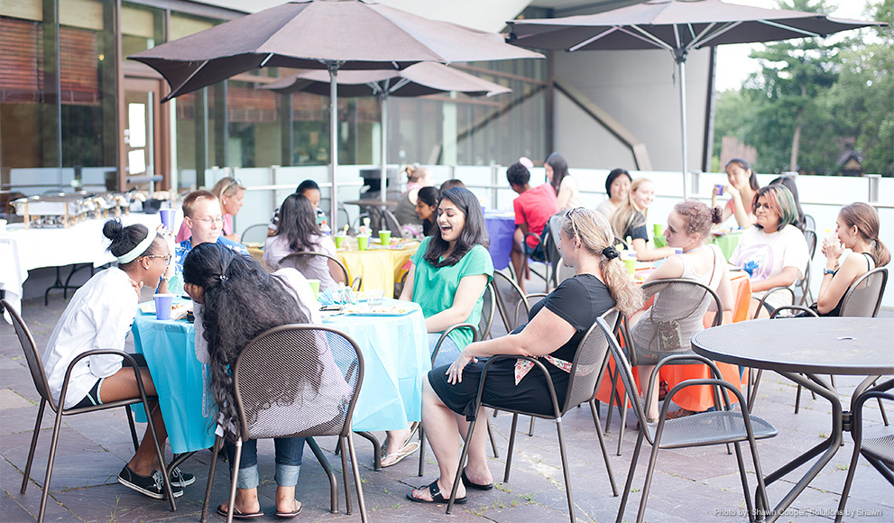 Students from Wellesley's Pre-College Residential Program Dine Together Outside the Lulu