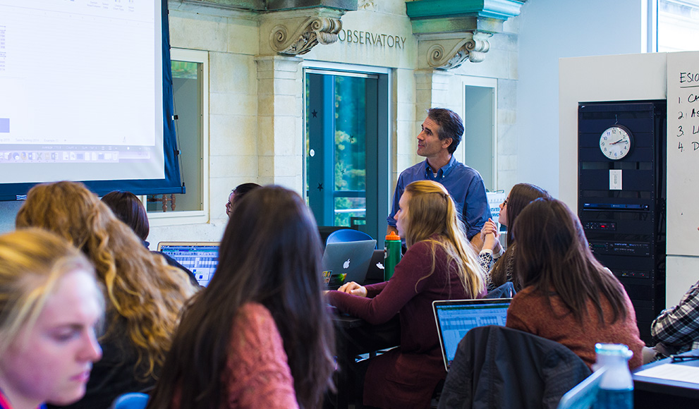 Students in ES103 connect with Davidson College students online