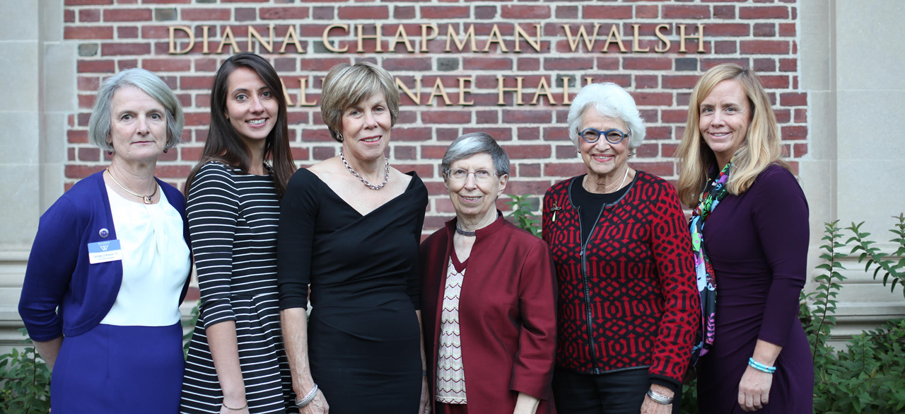2015 Sed Ministrare Volunteer Award Recipients with Alumnae Association Representatives