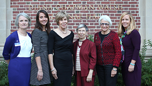 2015 Sed Ministrare Volunteer Award Recipients with Alumnae Association Representatives