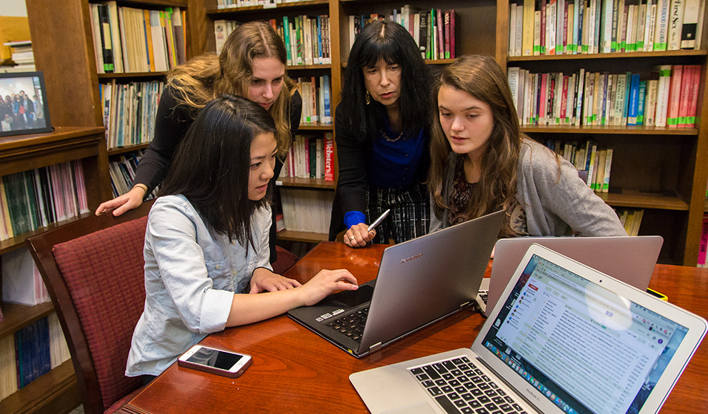Professor Rosanna Hertz and her student researchers. From left, Jamie Yang '17, Rebecca Schwarz '16, Hertz, and Jackie McGrath '17