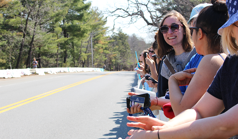 Wellesley students gather for the 2016 Boston Marathon Scream Tunnel