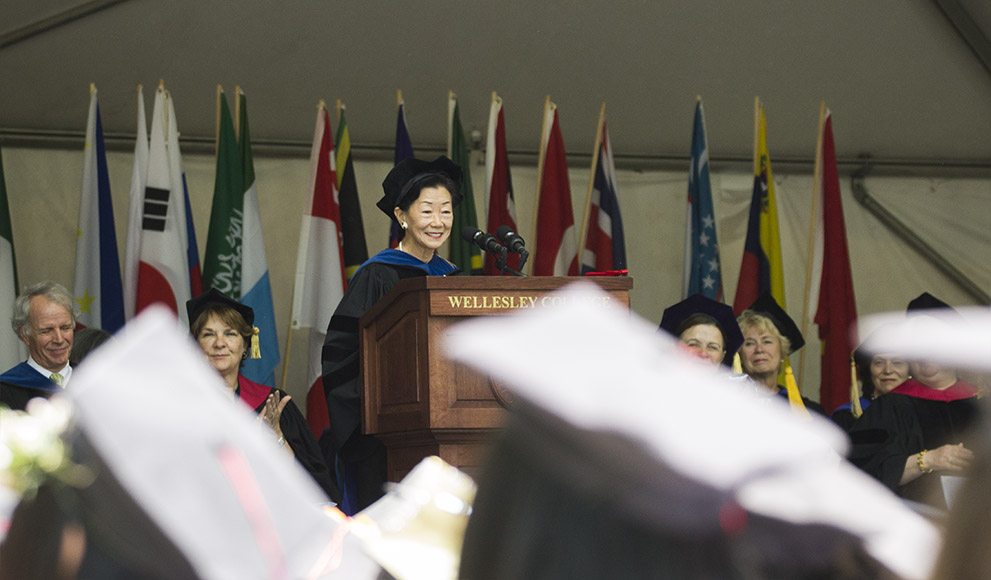 Lulu Chow Wang '66 addresses the Wellesley College Class of 2016.
