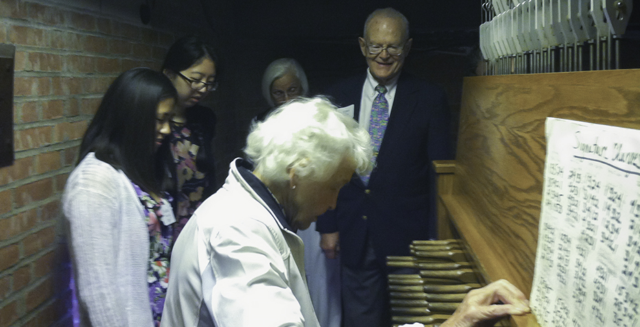 Anne and Galen Stone try Carillon Keyboard in Galen Stone Tower