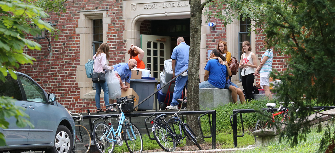 students move into Stone-Davis