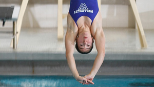wellesley diver in competition