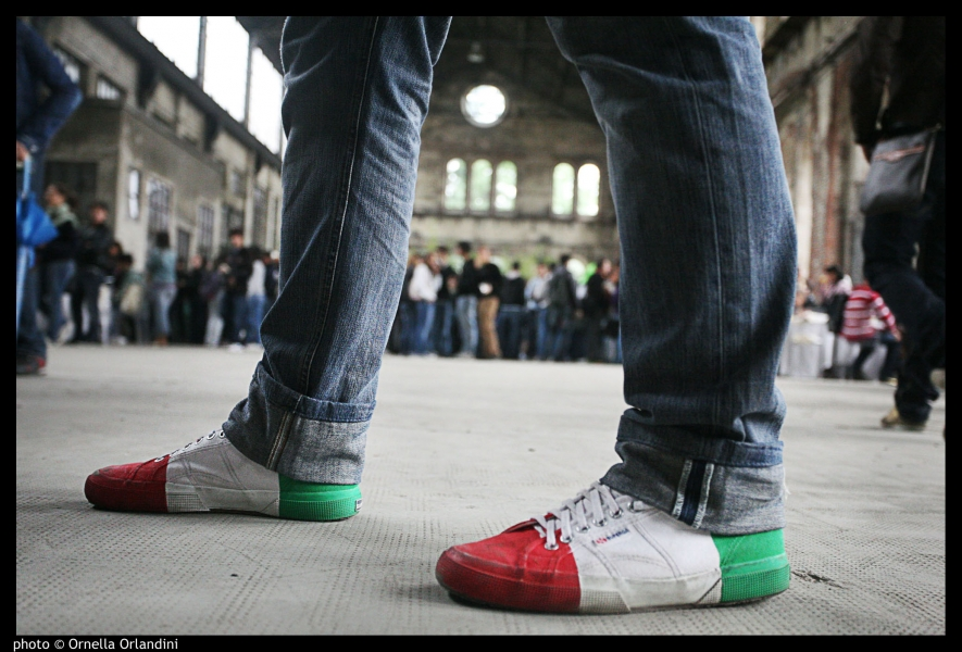 shoes in the color of the Italian Flag