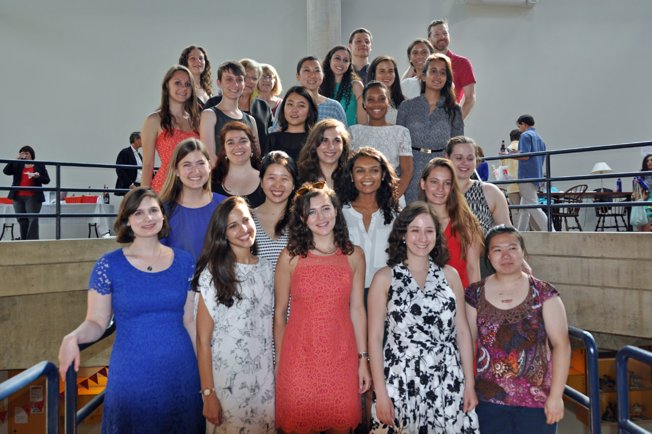 Photo of the graduating seniors who were neuroscience majors of the class of 2016.