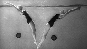 Wellesley synchronized swimmers from 1940s