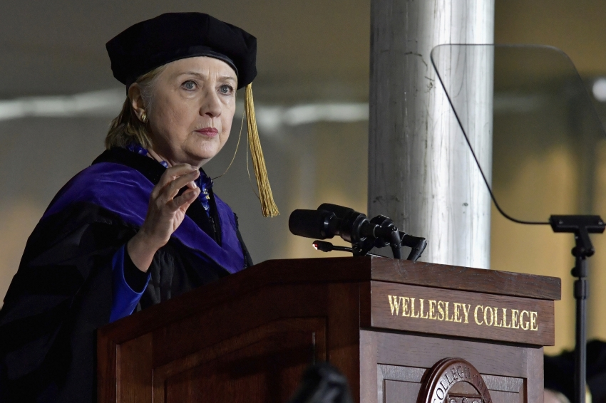 Hillary Clinton '69 speaks to Wellesley grads at 2017 Commencement
