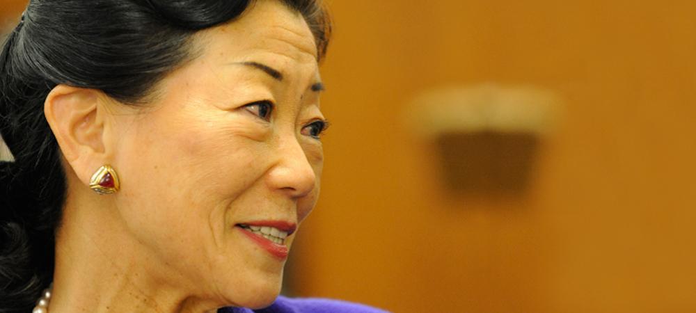 Lulu Chow Wang
