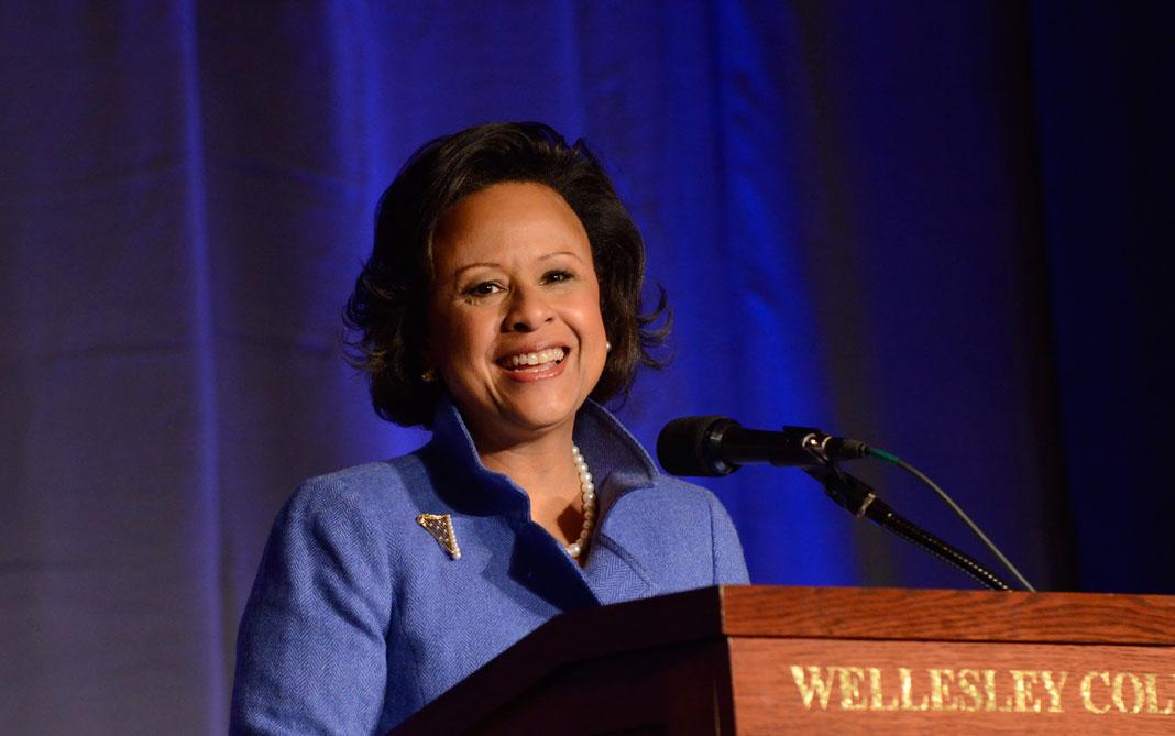 Paula Johnson at Wellesley podium