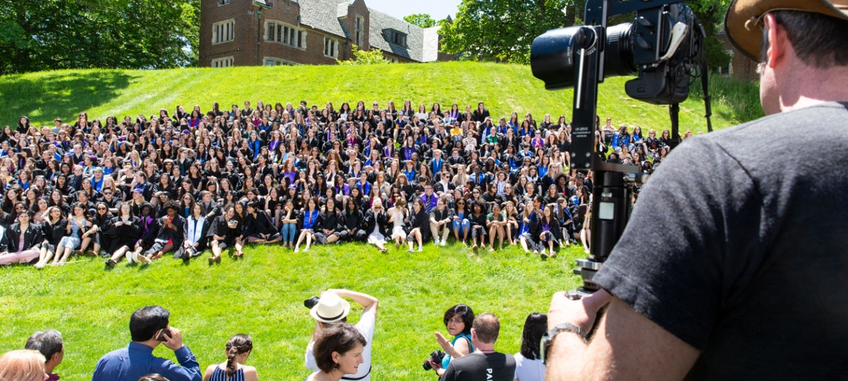 Seniors gather for a class photo