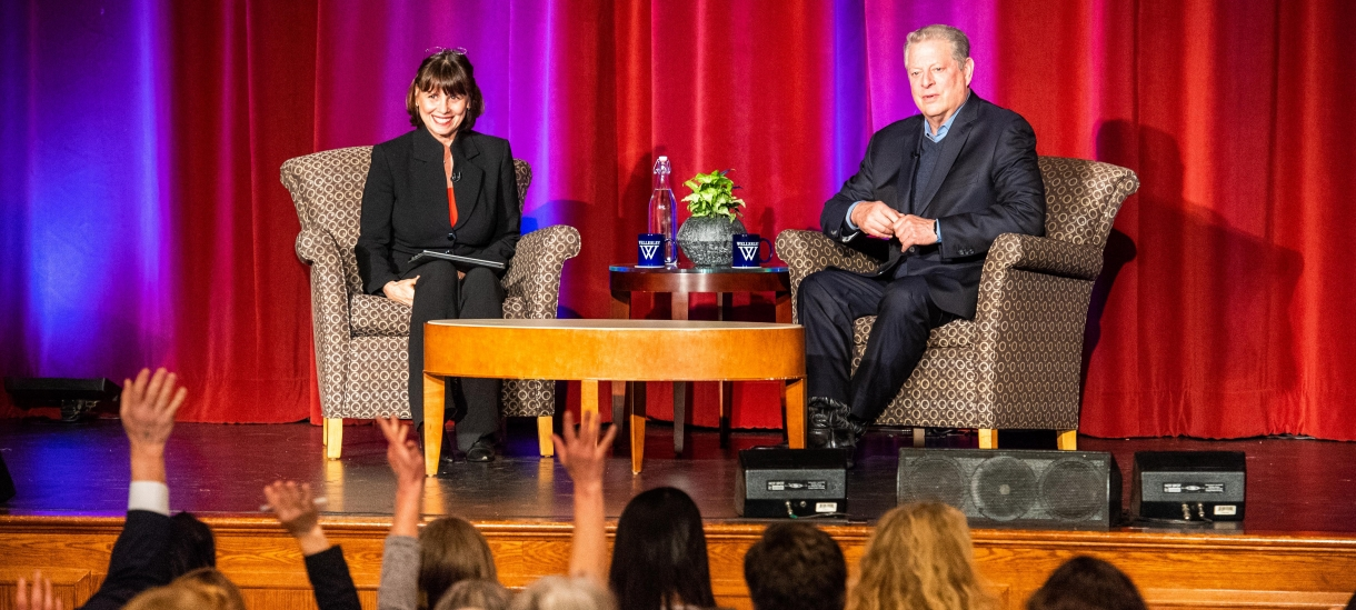 Sue Wagner and Al Gore sitting on stage at Wilson Lecture 2018