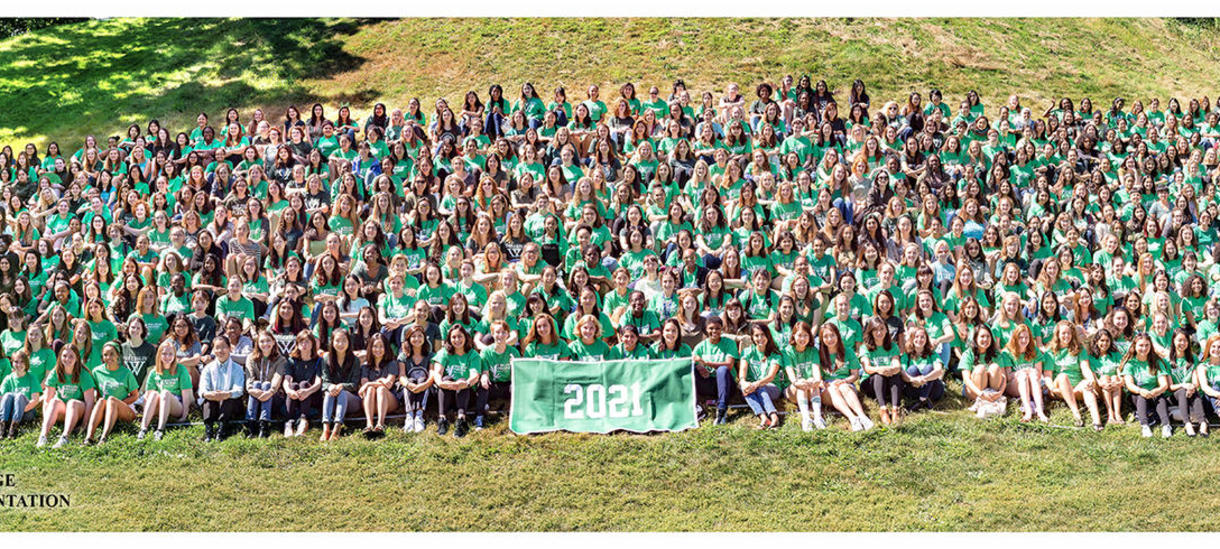 a sea of green: the class of 2021 orientation photo on Severance Hill