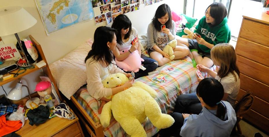 Wellesley students in dorm room