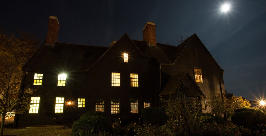 House of 7 Gables at night, photo Jared Charney
