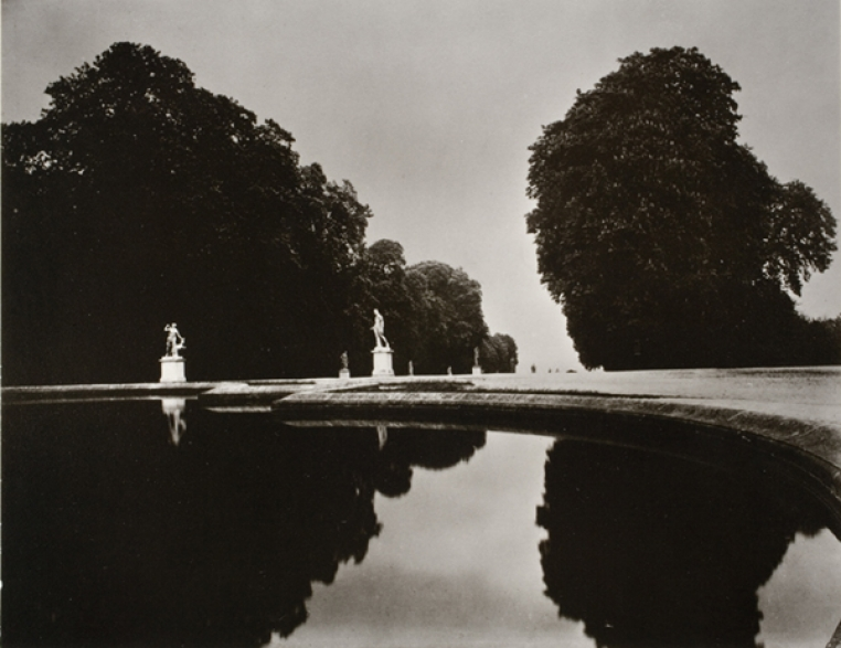 Eugene Atget, St. Cloud, 1920. Gelatin Silver print, 6 3/4 x 8 1/2 in. Museum purchase with funds given by Heidi Nitze (Class of 1956) and Phyllis Anina Nitze Thompson (Class of 1969), 1972.13.1