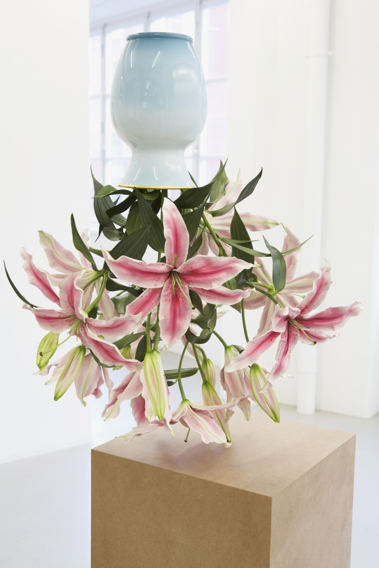 Tony Matelli, Arrangement, 2012. Painted bronze, 33 x 16 x 22 in. Collection of Scott and Cissy Wolfe