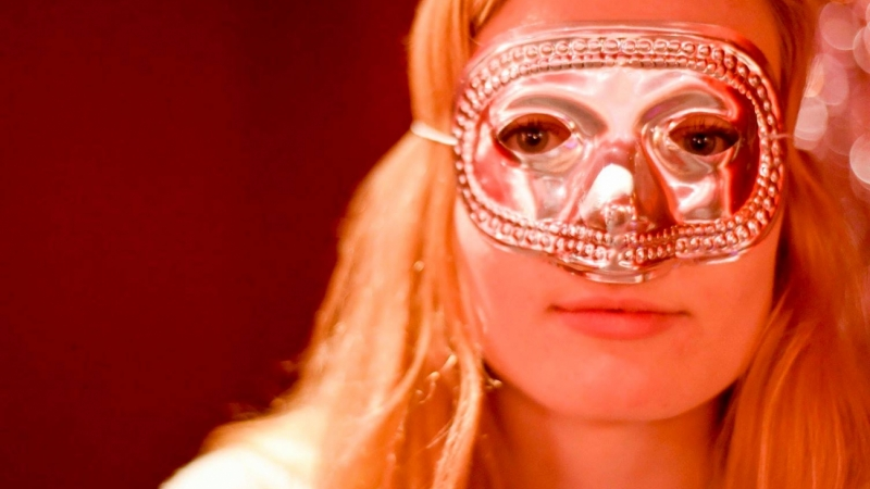 masked student