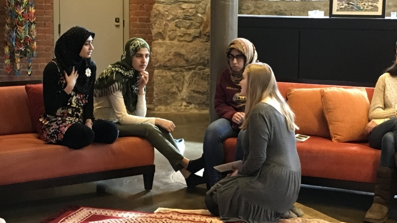 Al-Muslimat and Hillel members in discussion
