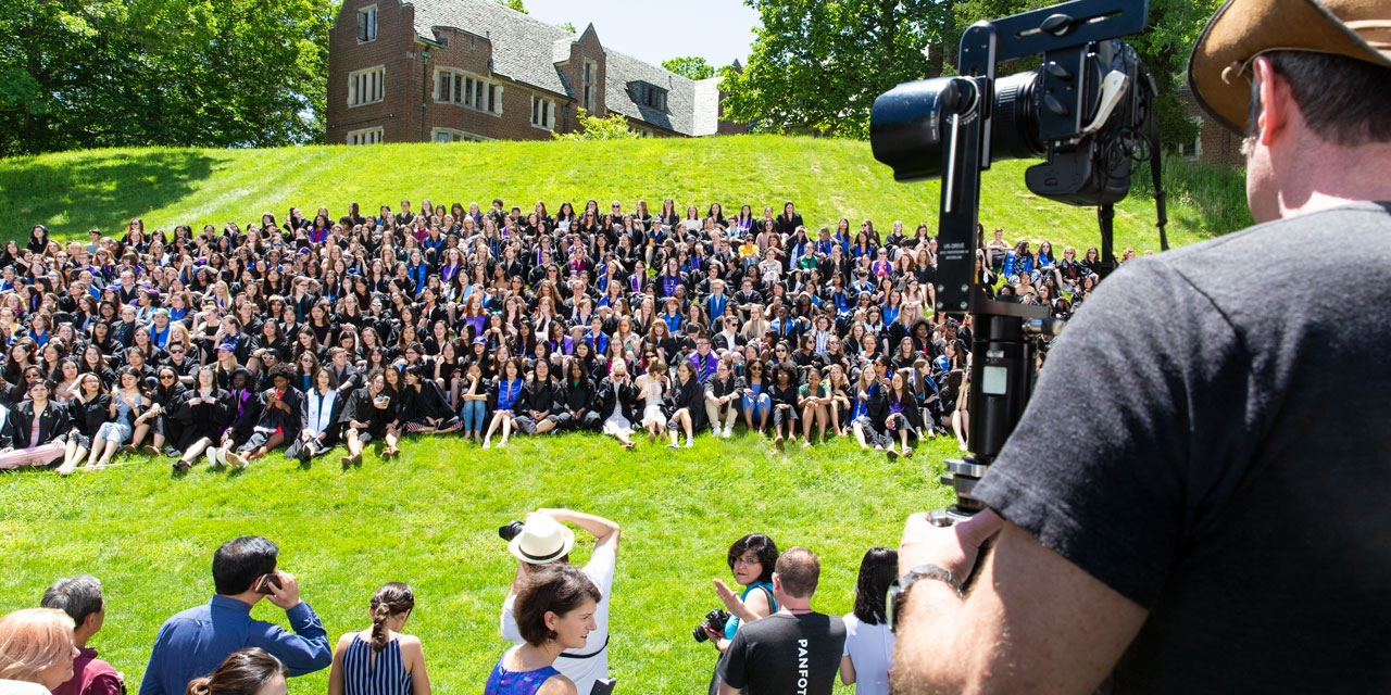 The Wellesley College class of 2018 lines up for their class photo.