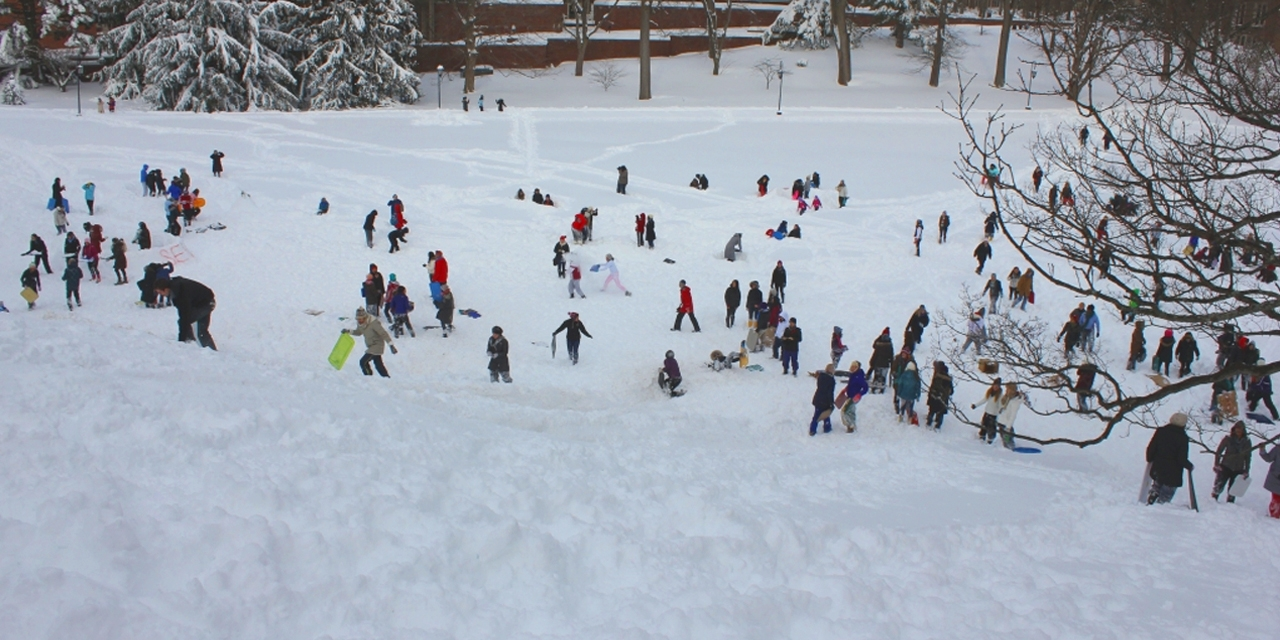 Sledders/trayers brighten Severence Hill, 2008