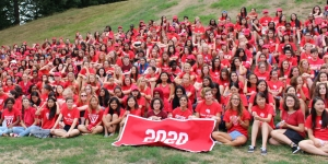 The Class of 2020 takes their first-year photo