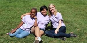 orientation coordinators Sarah Nzau '18, Jennifer Fang '17 and Jenna Sjogren '18