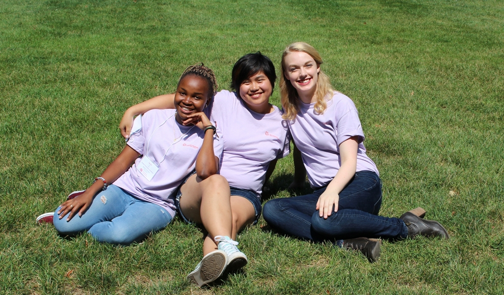 orientation coordinators Sarah Nzau '18, Jennifer Fang '17 and Jenna Sjogren '18