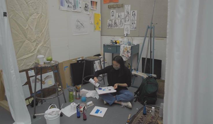 Anna Gefke working in her art studio