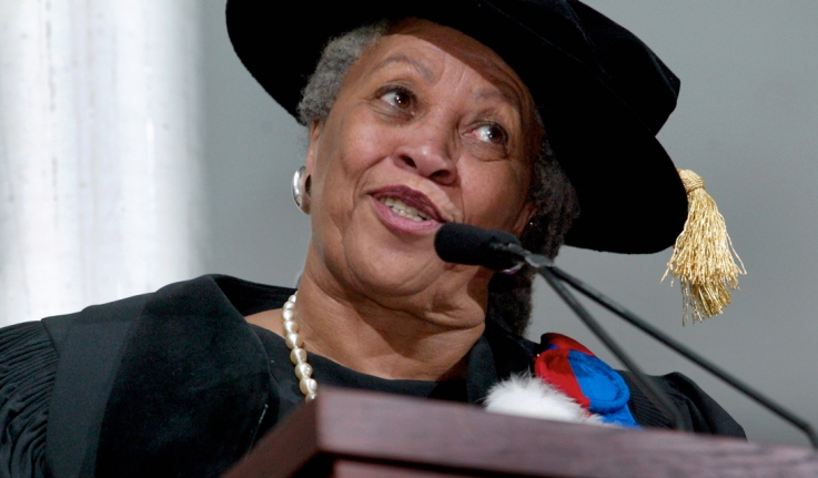 Toni Morrison speaks from a podium at commencement
