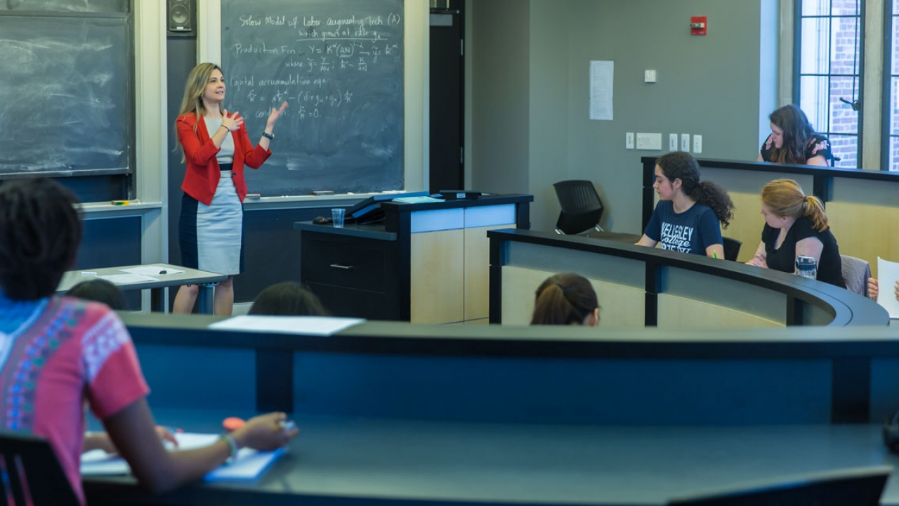 Olga Shurchkov '01 stands before her class at Wellesley College