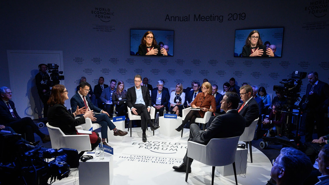 officials at a session at the economic forum in Davos.