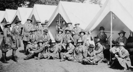 WWI women in front of tents