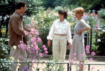 """Nora Ephron '62 directs Meg Ryan and Tom Hanks in """"You've Got Mail"""""""