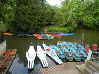 Boats line up at a landing in Oxford