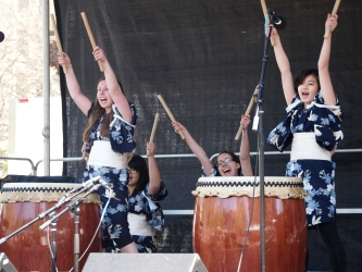 students performing aiko