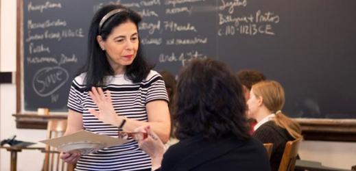 Professor Flavia Laviosa teaching