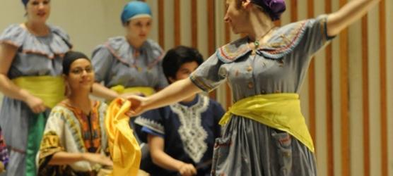Yanvalou dancers